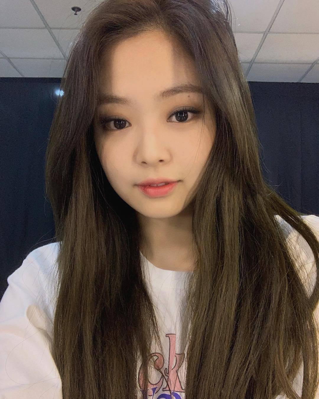jennie deleted selfie 2