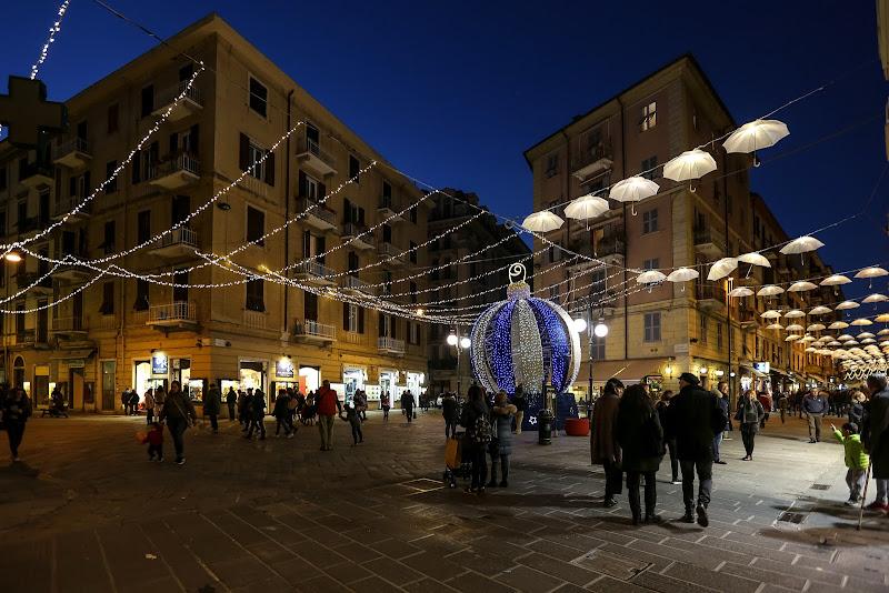 L'allegria delle luci del Natale di mirella_cozzani