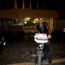 Photo: Incontro con Alessandro, ciclopellegrino (Geneva- Gerusalemme)