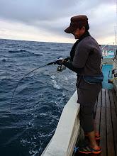 """Photo: お次は""""タケツグさん""""! ・・・水面でバレました!魚はハガツオでした。"""