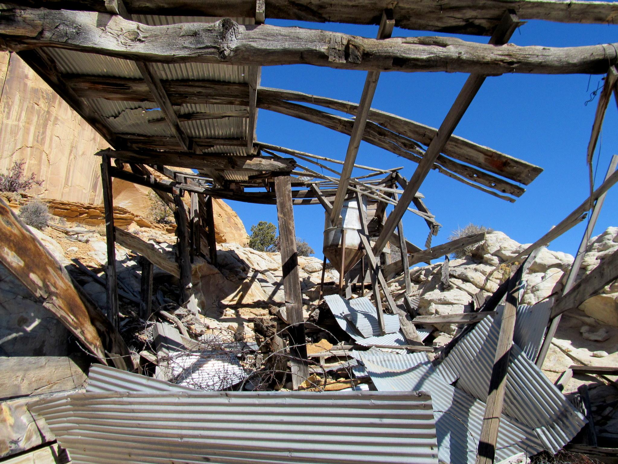 Photo: Dilapidated building