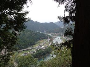 下に長良川、左に高速道