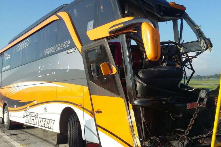 Kecelakaan Tol Ngawi Kertosono