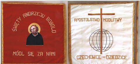 Photo: Sztandar Apostolstwa Modlitwy przy Parafii św. Andrzeja Boboli w Czechowicach-Dziedzicach. fot. jg. 2003 r.