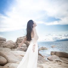 Wedding photographer Vika Tolmacheva (Viko). Photo of 03.04.2014