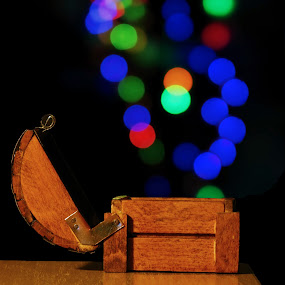 Bokeh by Milan Milosevic ヅ - Artistic Objects Other Objects ( art, artistic, box, light, bokeh, holiday lights )