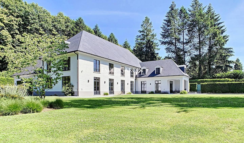 Property with pool Belgium