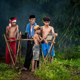 by Eko Probo D Warpani - People Portraits of Men ( child, village, strobist, indonesia, nikon )