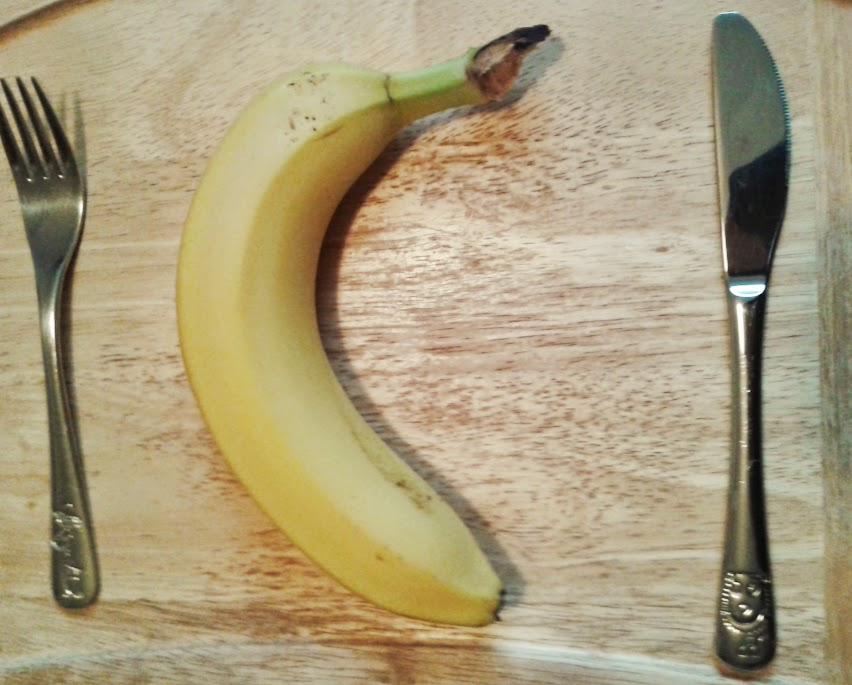 Welcome to Mommyhood: banana cutting