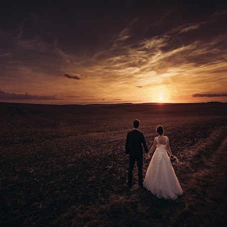 Wedding photographer Jan Dikovský (JanDikovsky). Photo of 09.03.2018