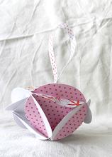 Photo: http://dekoratiuni.blogspot.ro/2014/04/globuri-romboidal-origami-2-modele.html