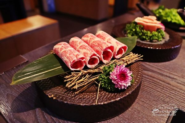 台北士林 寬巷子鍋品美食 麻辣鴛鴦鍋,創意菜色讓你驚喜滿滿,服務超好 附菜單