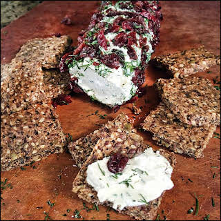 """Cranberry Dill Vegan """"Goat Cheese"""" w/ Snacker Crackers."""