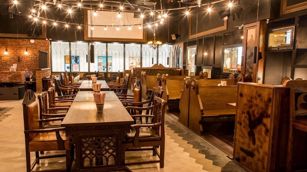 top-sports-bars-delhi-Hauz_Khas_Social
