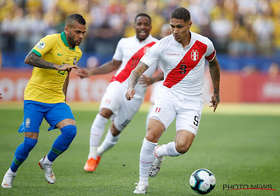 Dani Alves s'engage avec le Sao Paulo FC