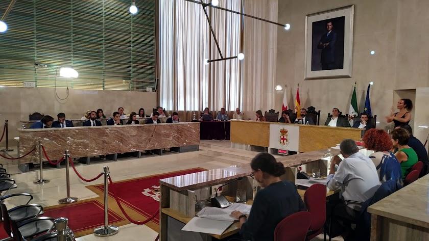 Vista general del Pleno del Ayuntamiento de Almería