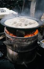 Photo: 11009 上海/自由市場/米製の菓子作り