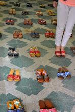 Photo: Wie de schoen past... (who the shoe fits)