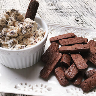 Chocolate Chip Kahlúa Dip