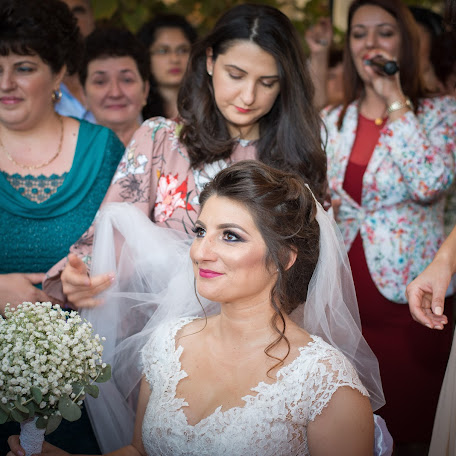 Wedding photographer Cristian Sorin (SimbolMediaVisi). Photo of 05.12.2017