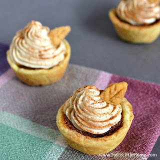 Mini Pumpkin Pies with Cinnamon Cheesecake Topping