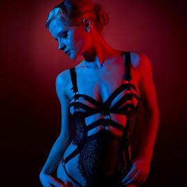 Lilly between the lights by Michael Strobl - Nudes & Boudoir Boudoir ( boudoir, red, lingerie, blue, gels, dessous )