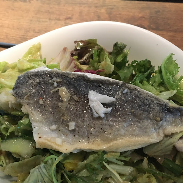 Salad with pan fried fish