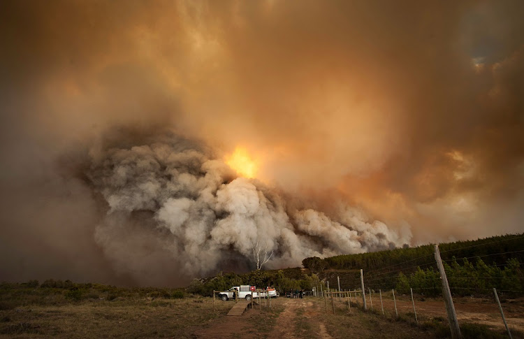 Fires are raging across the southern Cape. Picture: EWALD STANDER