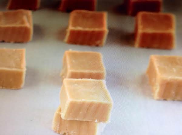 Easy Microwave Peanut Butter Fudge