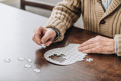 https://media.istockphoto.com/photos/cropped-view-of-senior-man-playing-with-puzzles-picture-id1089332974?b=1&k=6&m=1089332974&s=170667a&w=0&h=zB7myePSdtTSuBwXeqJlXeU5nQzCAIL9T36lzWLhgnc=