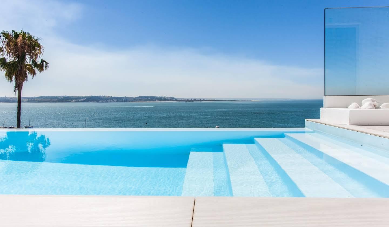 Maison avec piscine et terrasse Caxias