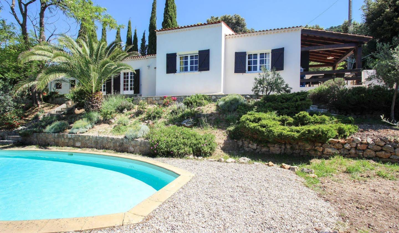 Villa avec terrasse Claviers