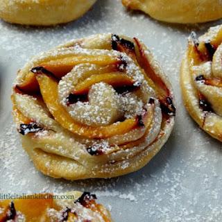 Last Minute Puff Pastry Roses With Plums