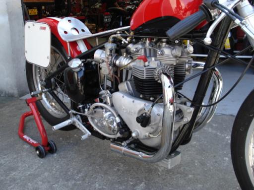 Triumph Dragster reconstruite par Machines et moteurs
