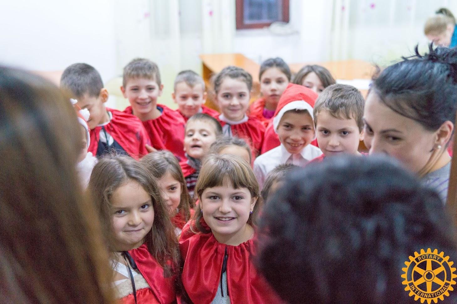 Moșul Rotary la Centrul de zi Gănești