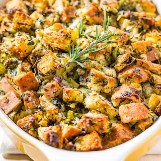 Classic Traditional Thanksgiving Stuffing.