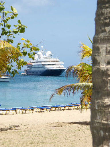 SeaDream-Mayreau.jpg - Visit the island of Mayreau in the Grenadines on a SeaDream cruise.