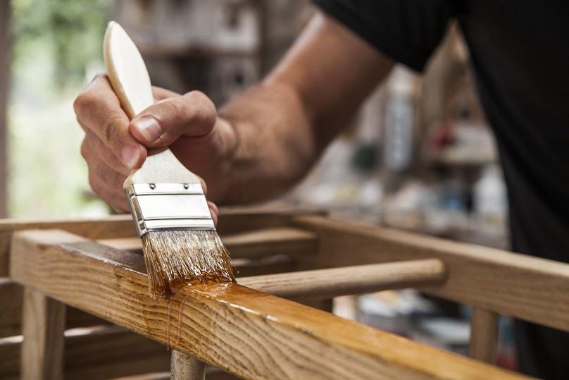 Impregnacja mebla z drewna