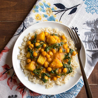 Chana Saag (Chickpeas and Spinach in a Spicy Tomato Sauce)