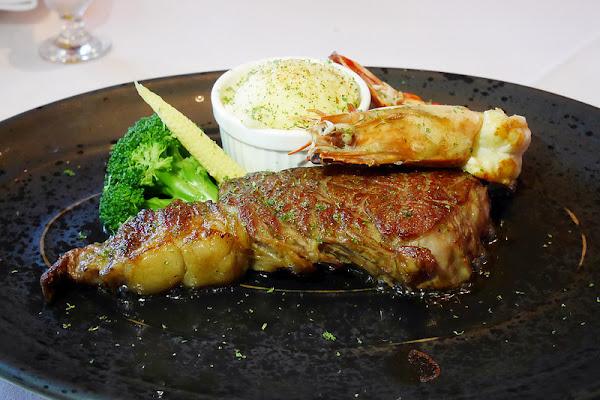 金磚牛排.BRICS┃台中南屯:台中高檔牛排餐廳,其實商業午餐並不貴,$880元就可以吃的到牛排套餐
