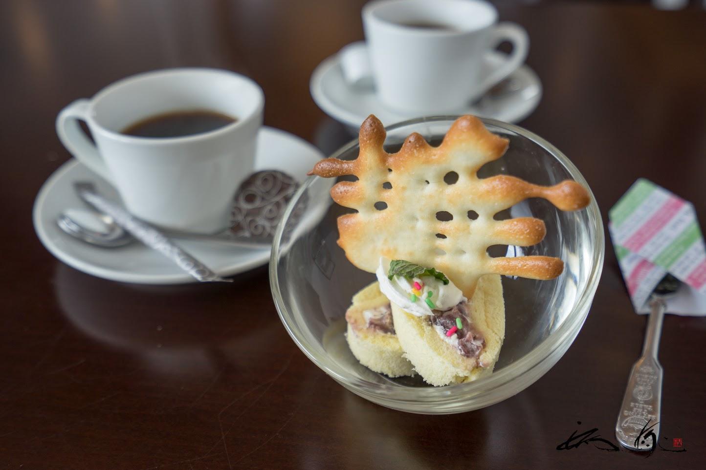 デザート:小豆のロールケーキ