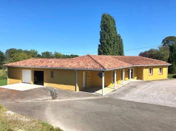 Maison 3 pièces 230 m2