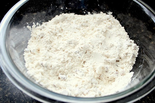 Mix dry ingredients.