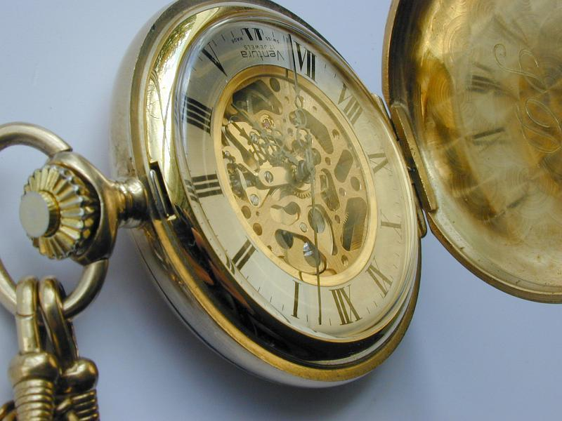 C:\Users\Pohan\Downloads\pocketwatch0838.jpg