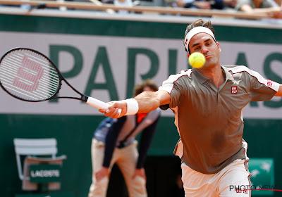 Roger Federer rekent af met Italiaan en wint voor het eerst in vier jaar op Roland Garros