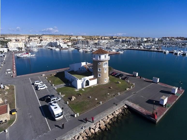 El Ejido, torre de control del Puerto Deportivo de Almerimar.