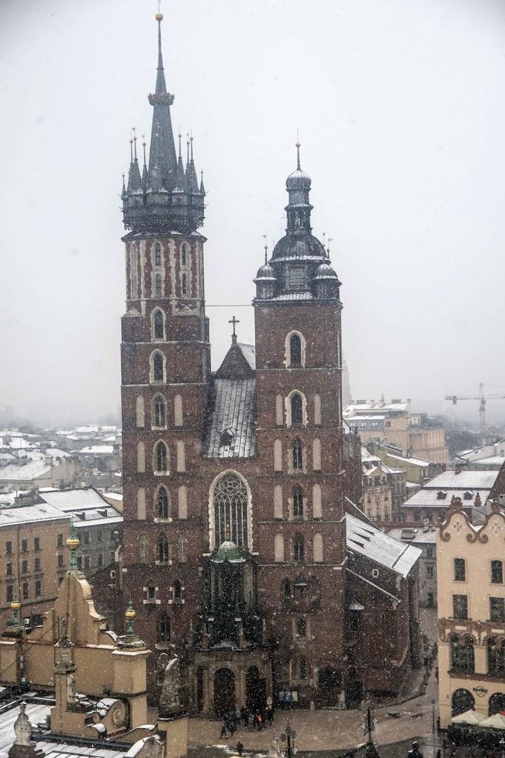 st mary basilica basilica in winter krakow