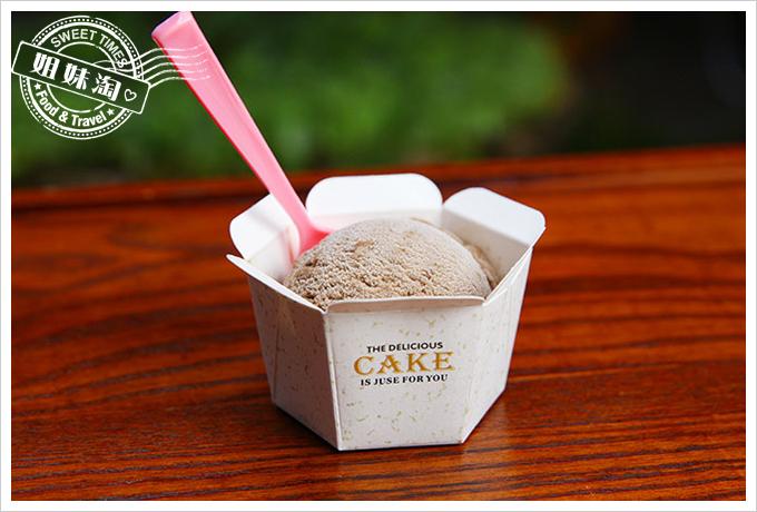 小琉球荷花軒手工冰淇淋黑玉仙草