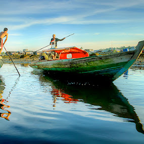 fisherman by Willy Brordus - People Street & Candids