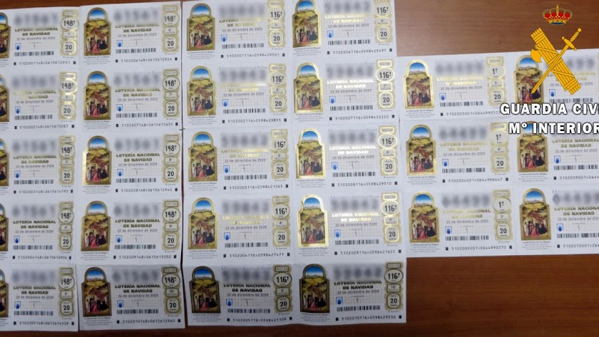 Robaron del establecimiento 26 décimos de la Lotería de Navidad.